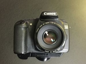 CANON EOS 20D WITH BOX (EXCELLENT!) $90 for Sale in Pasadena, CA