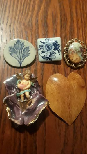 Gorgeous vintage brooches. BEST OFFER!! for Sale in Queens, NY