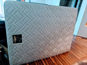 Queen Beautyrest mattress and box spring *FREE for Sale in Longmont, CO