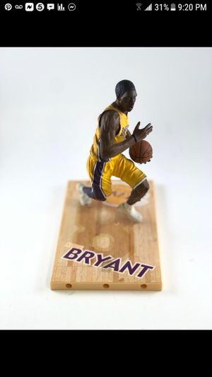 Los Angeles Lakers Kobe Bryant rare collectible basketball statue action figurine for Sale in Paramount, CA