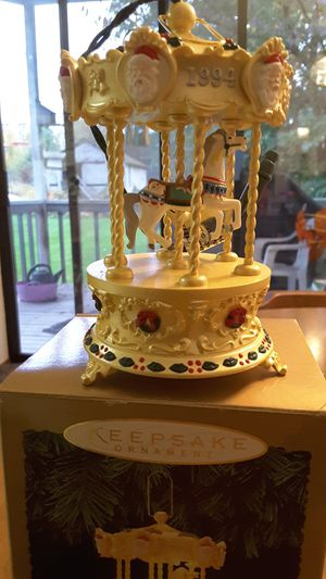 KEEPSAKE COLLECTABLE....CAROUSEL...1994 for Sale in Tacoma, WA