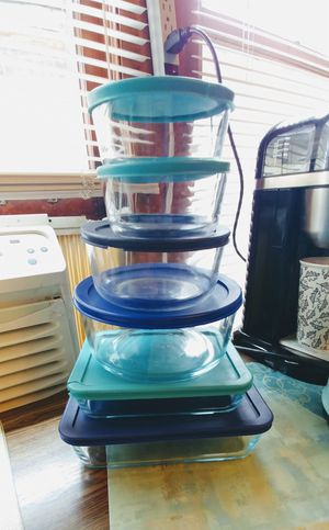 Pyrex containers for Sale in Chicago, IL