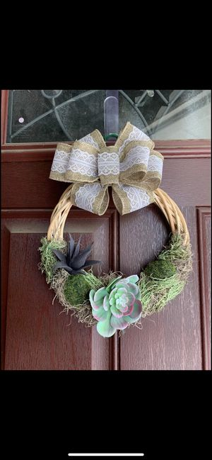 Succulent and moss wicker wreath for Sale in Berlin, NJ