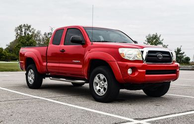 STRONG TOYOTA TACOMA PRE RUNNER 2005 FOR SALE for Sale in Bridgeport,  CT