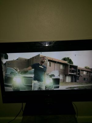 40 inch tv for Sale in Belleville, IL
