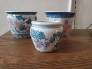 Assorted littles flower pot. for Sale in Miami, FL