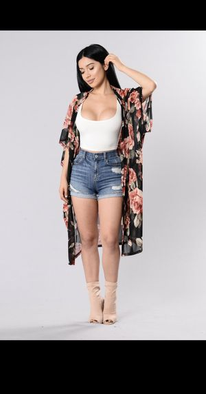 Fashion Nova Oversized Black Floral Kimono Cardigan, Size S (Like NEW wore once) for Sale in Palmdale, CA