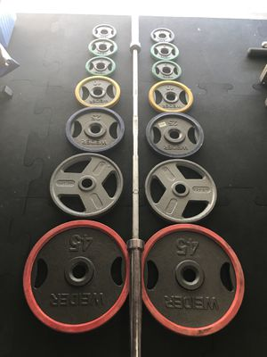 Olympic Color Grip weights (2x45s 2x35s 2x25s 2x10s 4x5s 2x2.5s) & 7Ft-45Lb Olympic Barbell for $240 Firm!!! for Sale in Burbank, CA