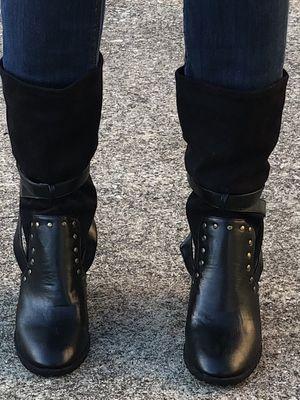 Black mid calf boots size 8.5 for Sale in Dallas, TX