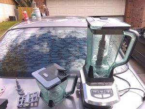 Ninja Blender and Ziploc food sealer for Sale in Austin, TX