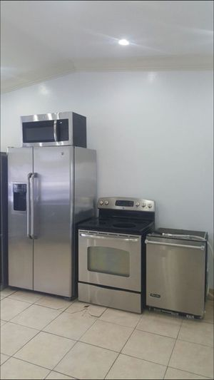 Stainless steel appliance set for Sale in Tampa, FL