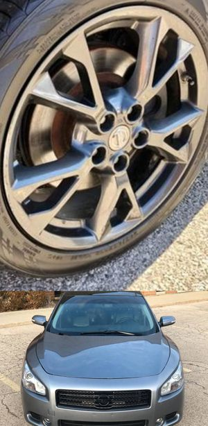 $1200 Nissan Maxima for Sale in Jacksonville, FL