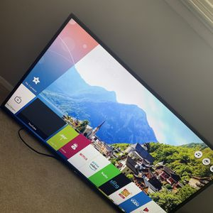 50 inch LG Smart TV With TV Mount for Sale in Fairfax, VA