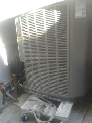 Used 3 ton trane 22 Freon Ac condenser for Sale in Pompano Beach, FL