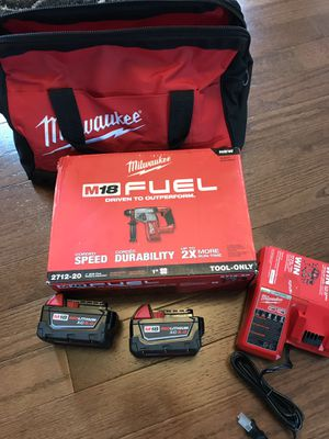 """Milwaukee hammer drill 1"""" sds with batteries 5.0 ah charger and bag for Sale in Lemont, IL"""