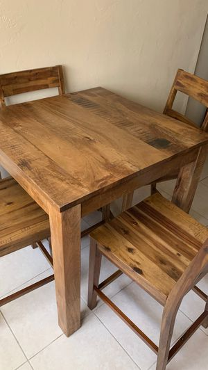 Pier one dining room table for Sale in Pembroke Pines, FL