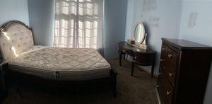 Queen bedroom set for Sale in Salem, OR