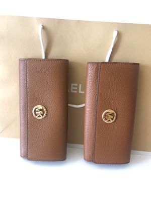 MICHAEL KORS WALLET $ 115 Brand New for Sale in Los Angeles, CA