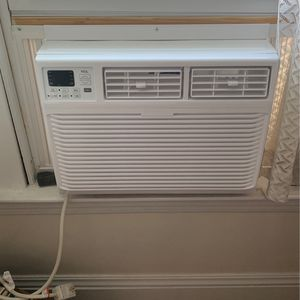 Brand New Air Conditioner Window Unit for Sale in Lakewood, OH