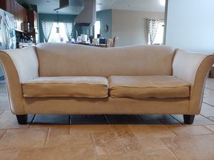 Cream couch. Minor wear and tear. Good shape. Free. for Sale in Apache Junction, AZ