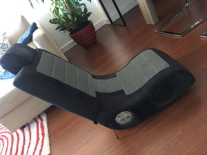 Gaming chair for Sale in Miami, FL