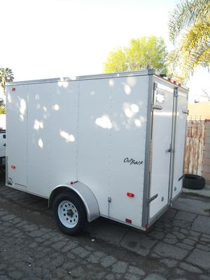 BOX ENCLOSED TRAILER 6X10 IN GOOD CONDITION for Sale in Los Angeles, CA