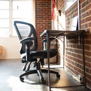 Office Chair, Multi Functional Black W Mesh Back for Sale in Washington, DC