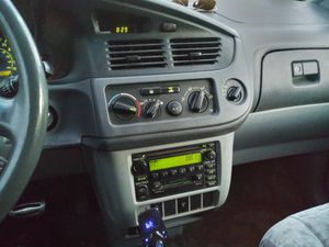 Toyota sienna 2002 for Sale in Springfield, MA