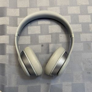 Beats Solo 2 for Sale in Beaverton, OR