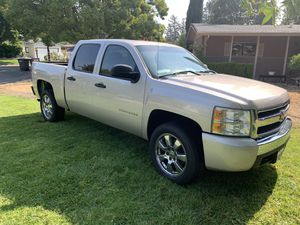 2007 Chevy Silverado 1500 2wd 4 door for Sale in Concord, CA