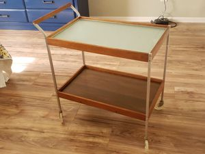 Cute cart bar end table for Sale in Enumclaw, WA