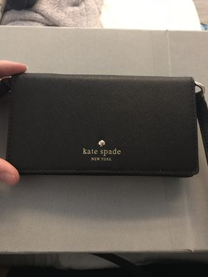 Kate Spade iPhone 6 leather crossbody wallet for Sale in Portland, OR