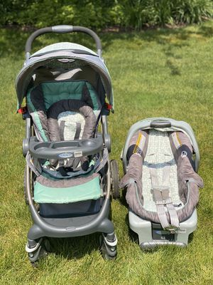 Graco Stroller, Car Seat with Base Set for Sale in Munroe Falls, OH