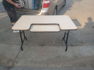 Desk 4feet by 30 inches for Sale in Elk Grove, CA