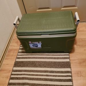 52 Quart Igloo Ice Chest for Sale in San Antonio, TX