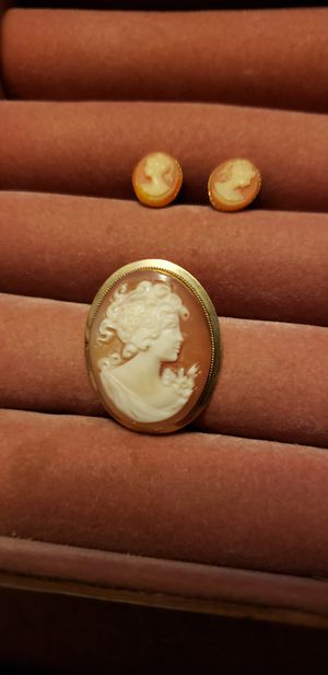 14k gold cameo and earrings for Sale in Auburndale, FL