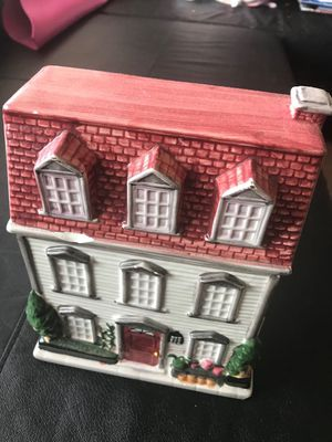toy house for Sale in Arlington, VA