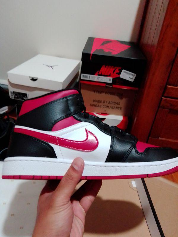 Jordan 1 mid noble red size 9.5