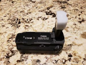 CANON BG-E6 BATTERY GRIP for Sale in Manalapan Township, NJ