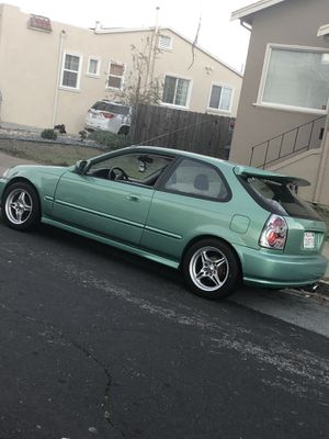 Honda Civic hatchback clean title for Sale in South San Francisco, CA