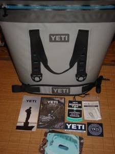 Yeti hopper 40 soft cooler brand new for Sale in Lancing, TN