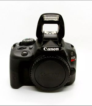 Canon EOS SL1 18.0MP w/ EF-S 18-135mm f/3.5-5.6 IS for Sale in Hellertown, PA