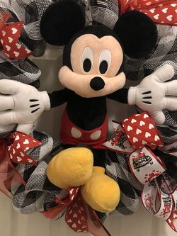 16 Inch Mickey Mouse Plush Wreath 24 Inch Valentines Deco Mesh Wreath - Gift Or Decoration for Sale in Norwalk,  CA
