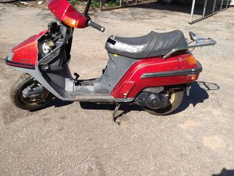 Honda Elite Runs These Cosmetic Work In A Hot Battery It's A 125 $350 for Sale in Spartanburg,  SC