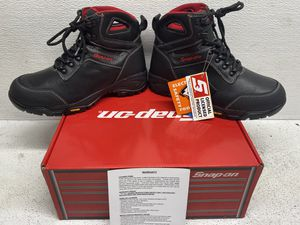 SNAP ON MANIFOLD BOOTS **DISCONTINUED** SIZE 11 for Sale in Fort Lauderdale, FL