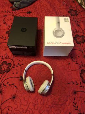 Beat solo 3 wireless for Sale in Dinuba, CA