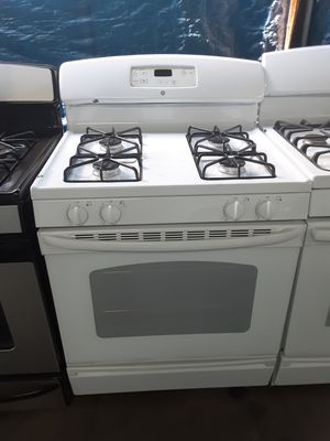 $299 GE white gas stove includes delivering the San Fernando Valley a warranty and installation for Sale in Los Angeles, CA