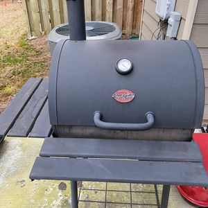 Char-Griller 23 Inch for Sale in Lawrenceville, GA