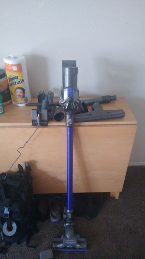 Dyson cordless vacuum for Sale in Spring Valley, CA