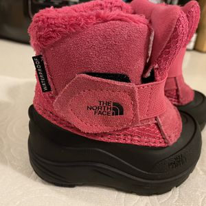 Toddler Size 4 Snow Boots - The North Face Alpenglow II for Sale in Seattle, WA